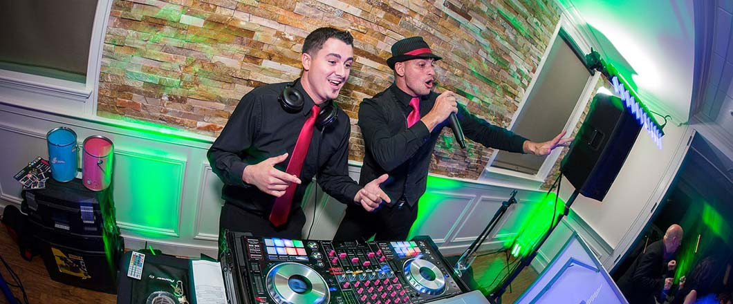 2 DJs at Wilmington, DE wedding