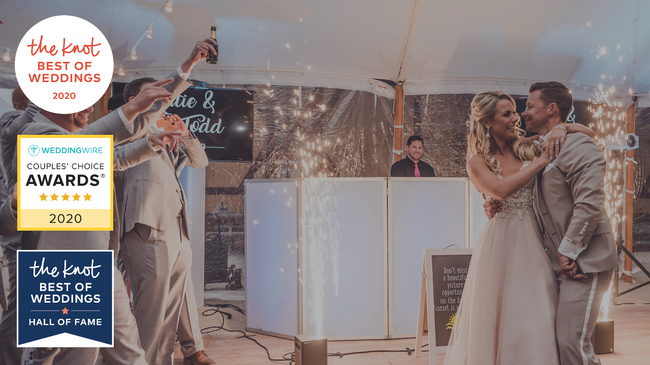 sparklers, sparkle fountains, first dance with sparklers, dancing on the clouds,  best wedding djs, delaware, wedding entertainment, wilmington de